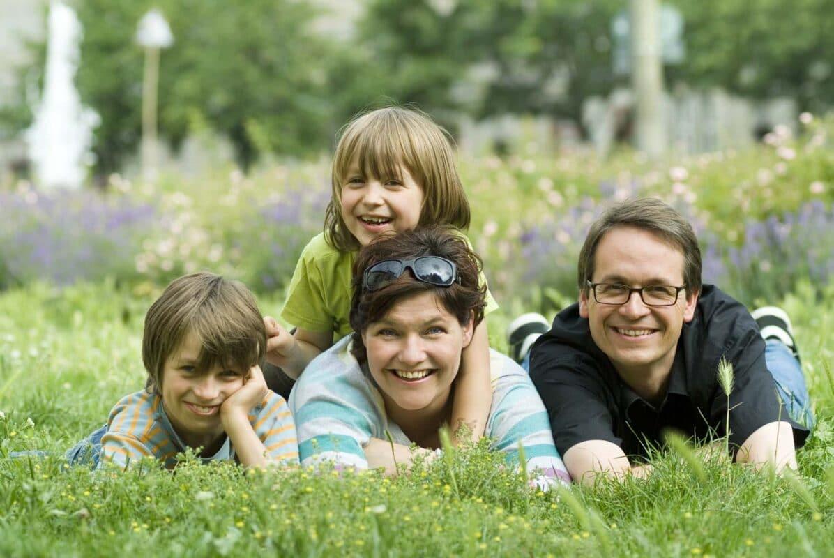 Familielivet er en vigtigt. Det skal passes. Hvordan passer det sammen med swingerlivet?