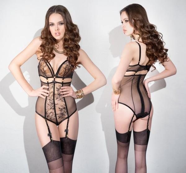 Eksempel på tøj til en kvindelig swinger. Dette kunne sagtens fungerer i en swingerklub.